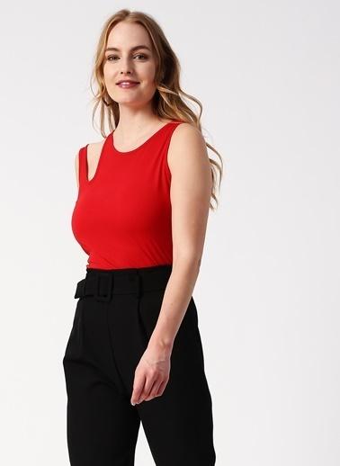 Koton Koton Omuz Detaylı Kırmızı T-Shirt Kırmızı